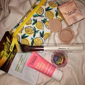 Makeup bundle!!